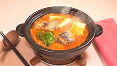 サバ缶を丸ごと使ったキムチ鍋