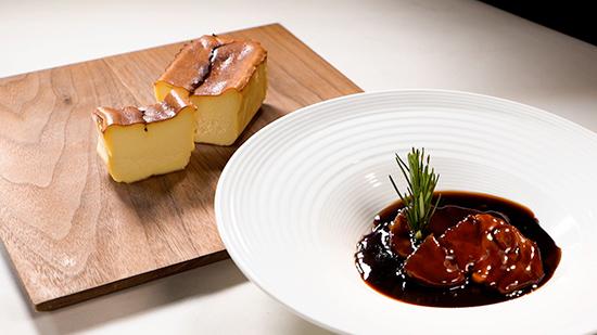 『小笠原伯爵邸』イベリコ豚二種のシェリー煮込み&バスクチーズケーキのセット」