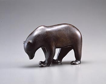 《ヒグマ》 ブロンズ 1918-1926年 群馬県立館林美術館蔵