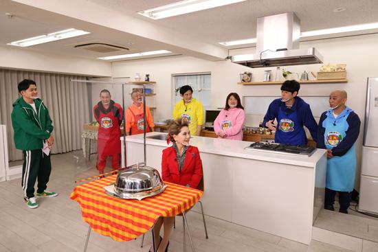 博多華丸・大吉、千鳥、黒沢かずこ(森三中)、デヴィ・スカルノ、mako(料理研究家)、5GAP